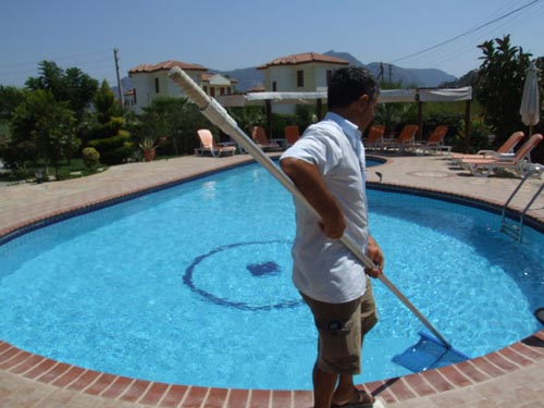 The Many Advantages Of Hiring A Company For Your Pool Cleaning