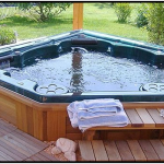 Making The Most Of Indoor and Outdoor Hot Tubs