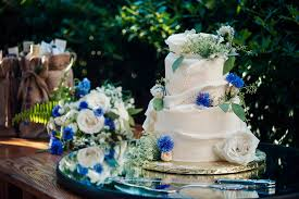 Tips To Select The Right Wedding Cake Option