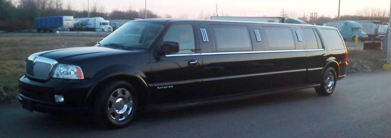 Top 4 Benefits Of Hiring Limousine Service For Airport Transfers