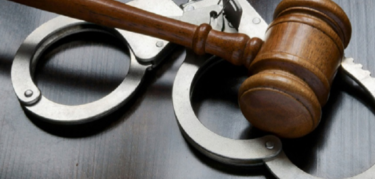 7 Ways That A Criminal Defense Lawyer Can Help You