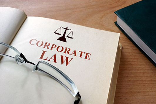 4 Essential Things To Consider Before Hiring A Corporate Lawyer