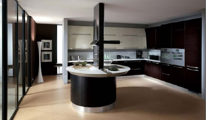 Spacious Italian Kitchen Design
