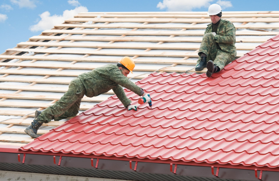 Follow These Top 4 Tips For Hiring The Right Commercial Roofing Contractor