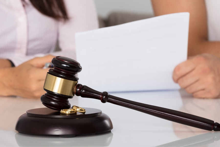 Hiring A Divorce Lawyer: Important Questions You Should Ask
