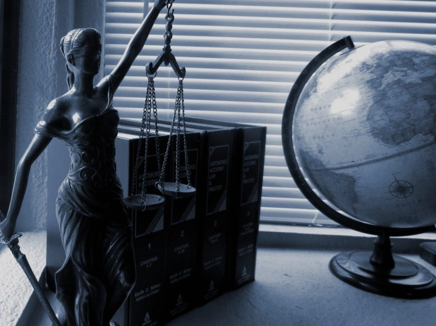 5 Times When Your Small Business Needs A Lawyer