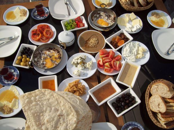 What People Have For Breakfast In Different Countries