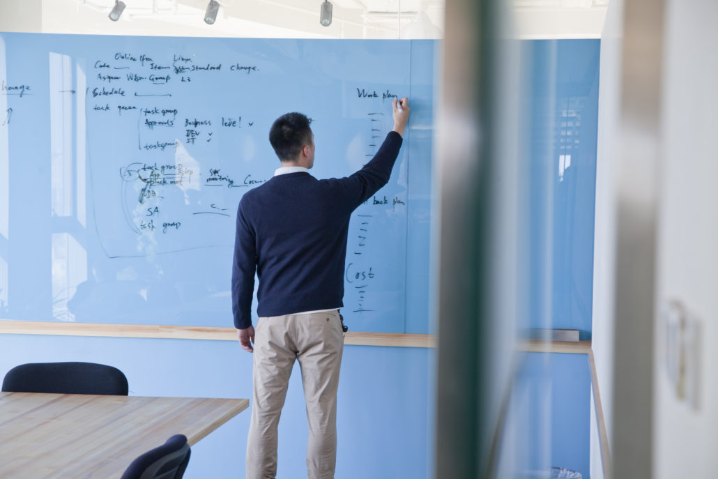 7 Sustainable Uses Of The Glass Erase Boards