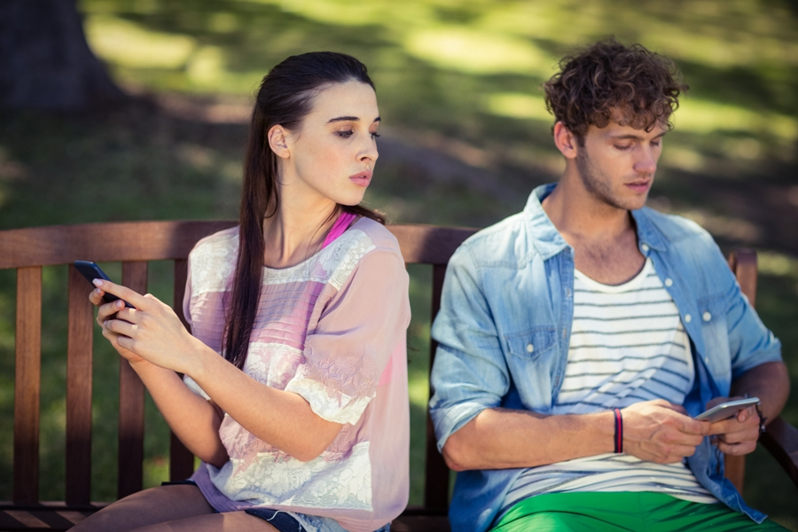 Is Your Husband Cheating On You One Way To Find Out Is Through His Phone