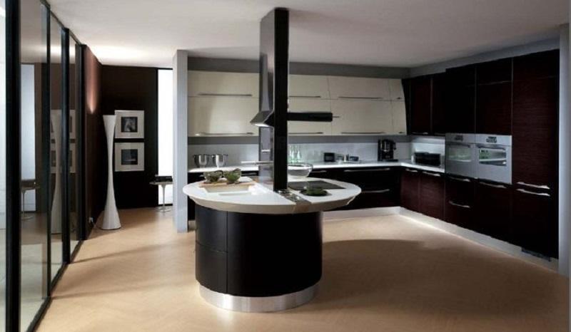 Spacious Italian Kitchen Design