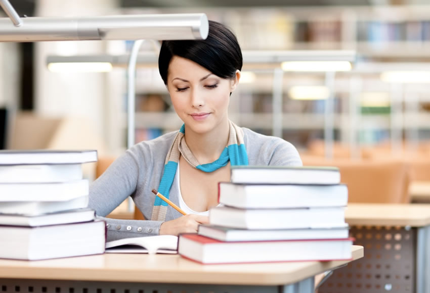 PhD Thesis Writing Services In UK
