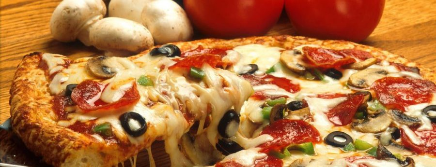 Hungry? 5 Great Reasons You Should Order Pizza Right Now