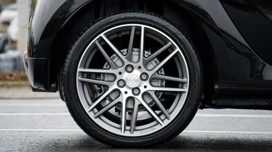 Stop Burning Rubber: 5 Ways Smart Drivers Make Their Tires Last